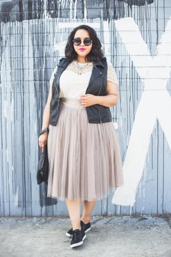 j7og3_white_clothing_dress_fashion_season